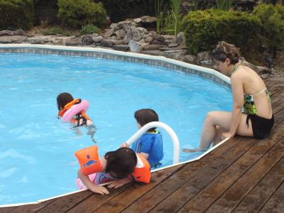 eerste dag in het zwembad