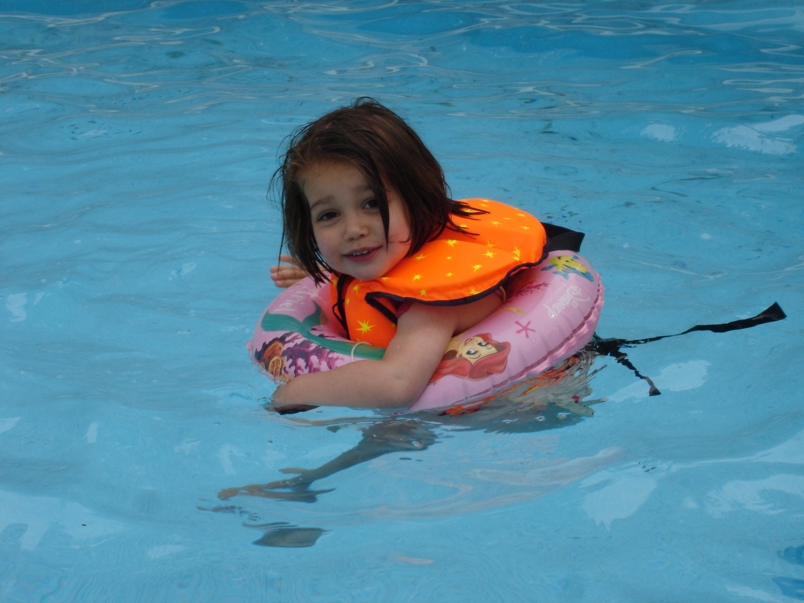 foto-alexandra-zwembad-2007.jpg