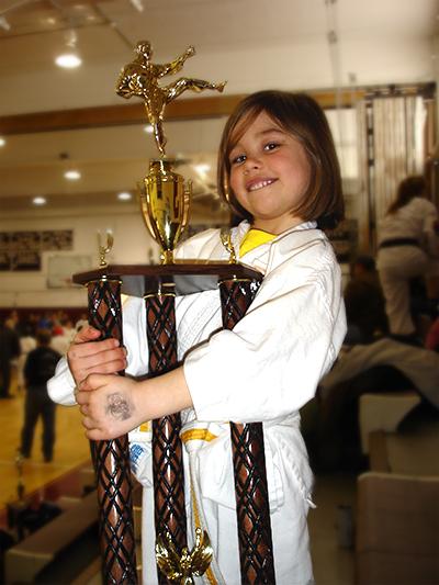 Roos-Marijn winnaar van King\'s Tournament Kumite